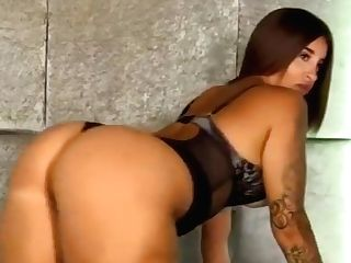 Priya Shows Her Large Beautiful Butt