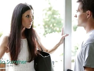 Slender Cougar India Summer Provides Dude With An Memorable Rubdown