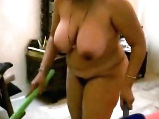Chubby Indian Cougar Gets Her Butt-fucked