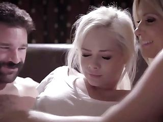 Elsa Jean Observe Her Hot Foster Mom India Summers Fucked